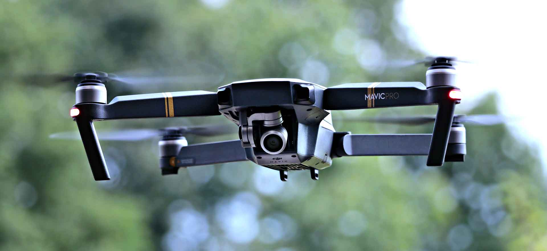 Dron a BOZP