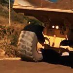 Kontakt nákladního vozidla s elektrickým vedením