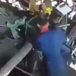 Zaměstnance při čištění namotá rotující stroj