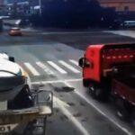 Řidič nákladního vozidla prudce zabrzdí, ale náklad pokračuje kupředu
